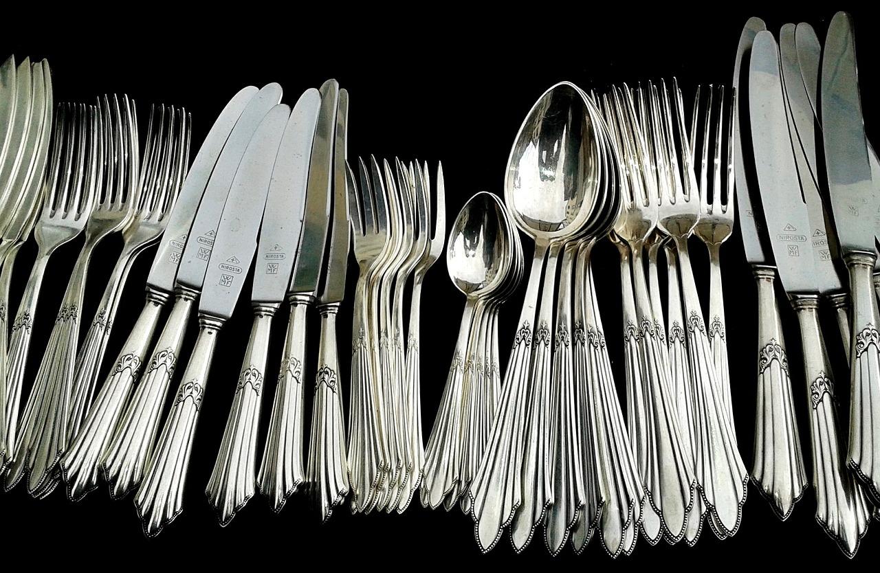 Azaé Haushaltstipp Wie reinigt man Silberbesteck?