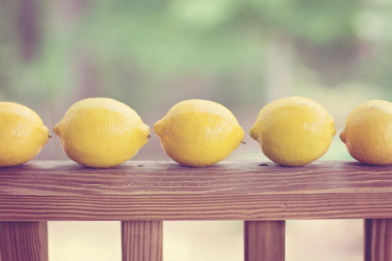 Azaé Trick für den Haushalt Sauer macht sauber Zitrone