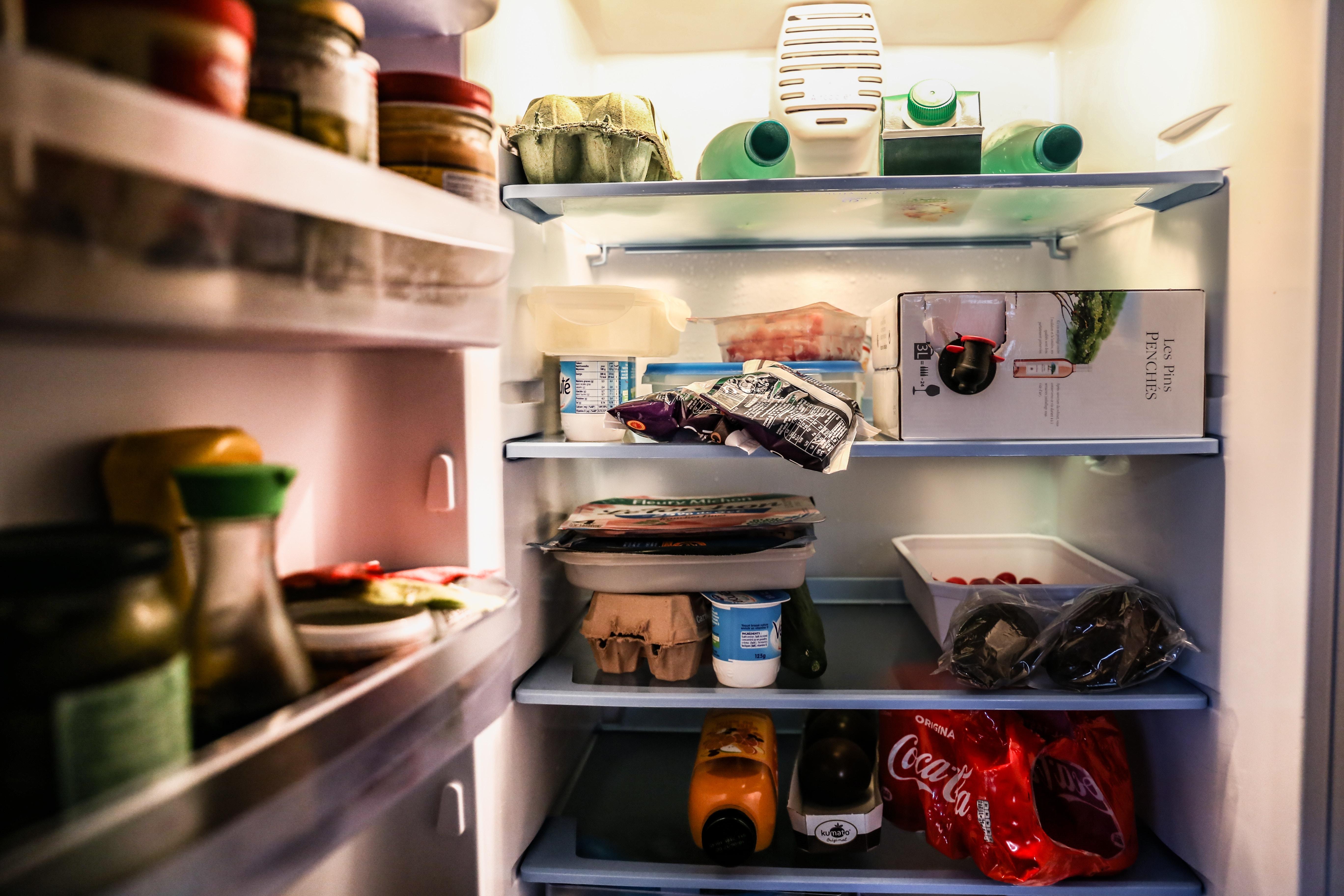 Kühlschrank Reinigen : Kühlschrank reinigen u wie geht man vor azaé