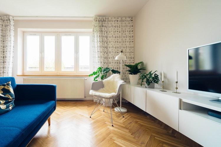 Wohnzimmer mit Parkett
